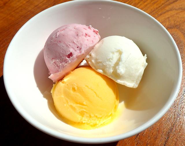 アイスクリーム3種盛り