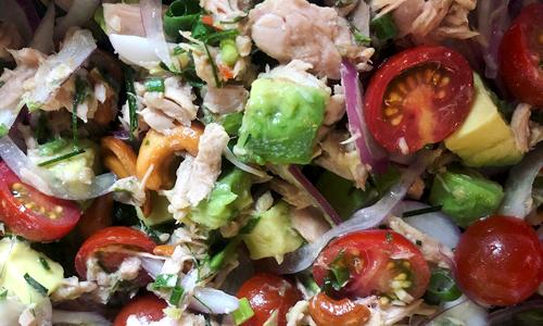 ツナとアボカドのハーブサラダ