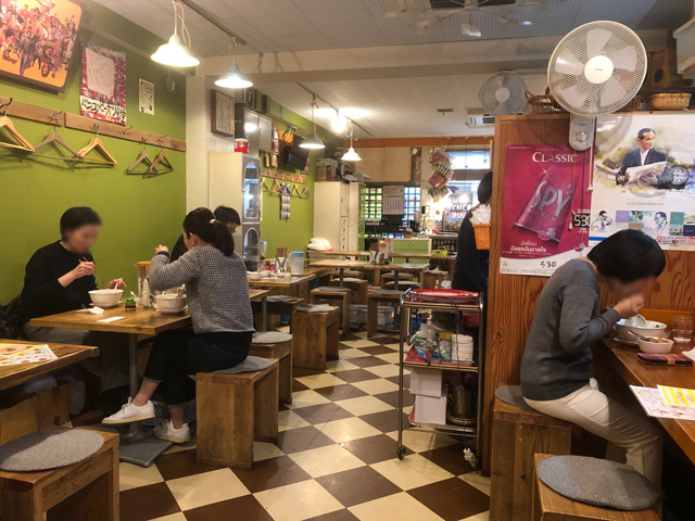 バンコク ピーナッツ食堂の店内