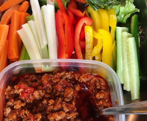 タイ風ミートソースの野菜ディップ